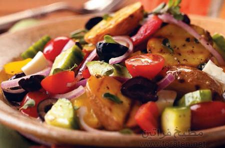سلطة البطاطا المشوية على الطريقة اليونانية