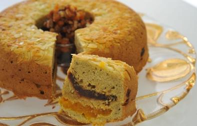 خبز القرع مع المشمش والتمر