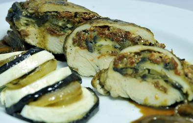 صدور دجاج محشوة باذنجان وجبن