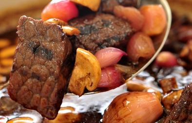 لحم بقري مع عصير الرمان وخل البلسمك