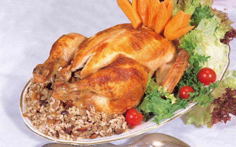 الدجاج المحشو بالرز واللحم