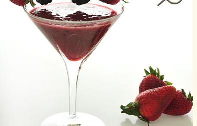 عصير فراولة وتوت وعنب الديب