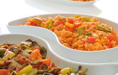 أرز أحمر بالفلفل الالوان