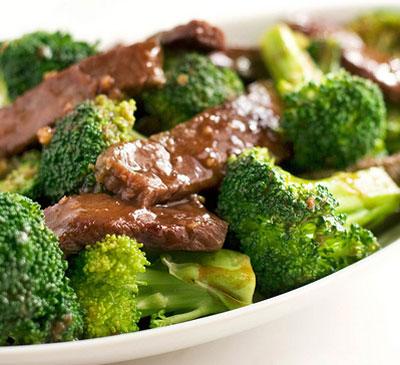 شرائح اللحم مع البروكلي