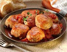 كرات لحم الدجاج بصلصة البندورة والرمان