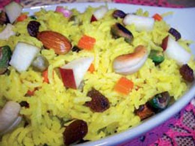 الأرز بالزبيب والمكسرات